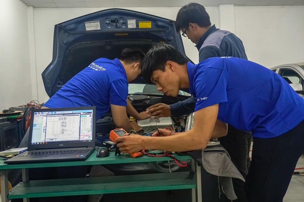 Học điện ô tô chuyên nghiệp